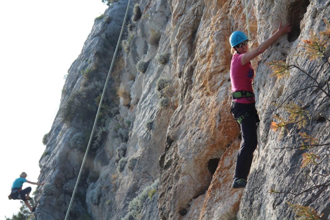 climbing - 1 (33)-min