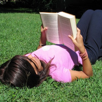 6 Ways to Keep Your Kids Reading This Summer
