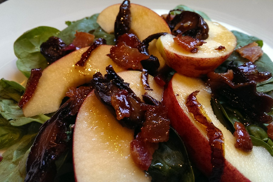 Spinach Salad with Apple Bacon and Maple Viniagrette