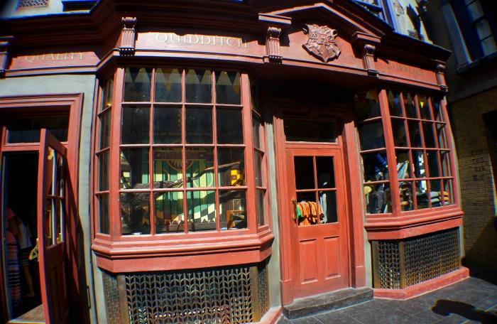 diagon alley universal, quidditch supplies