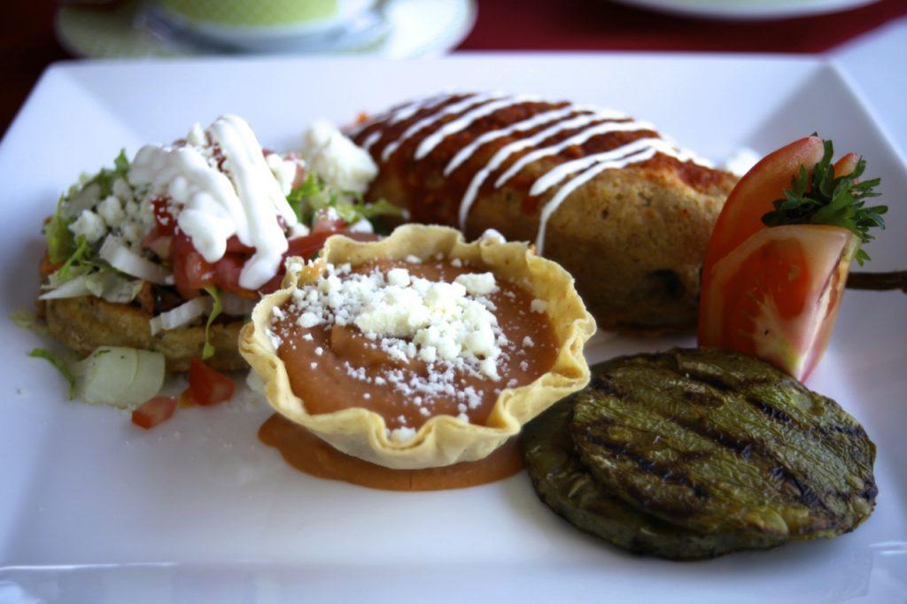 Villa Del Palmar, dining, chili rellanos, mexican cuisine