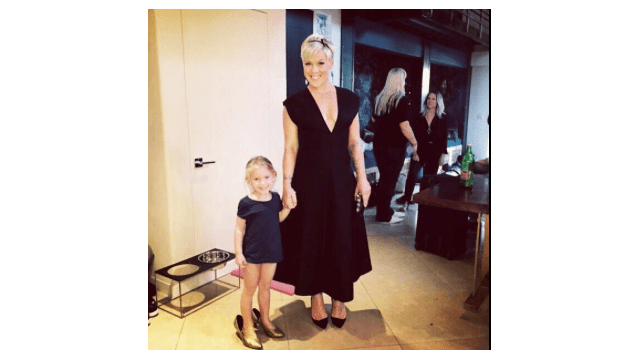 Celebrity Body Shaming, Pink, Pink with her daughter,