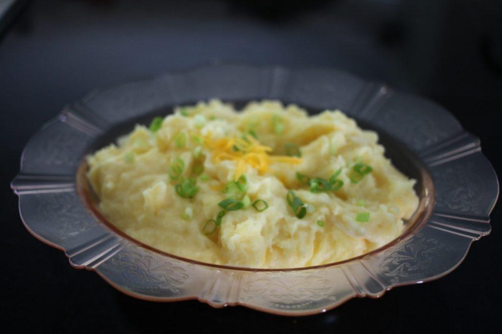 Cheesy make ahead mashed potatoes