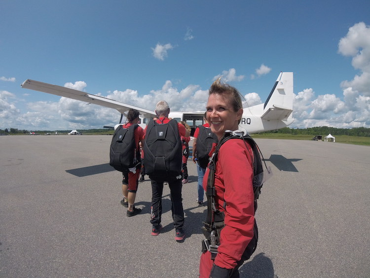 skydiving in ottawa, boarding the plane