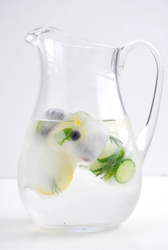 Fruit-herb-ice-cubes-4