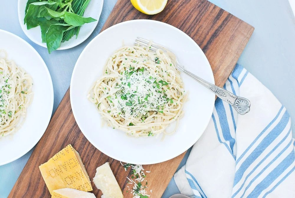 Spagehetti with Parmesan Garlic Herb Sauce-5