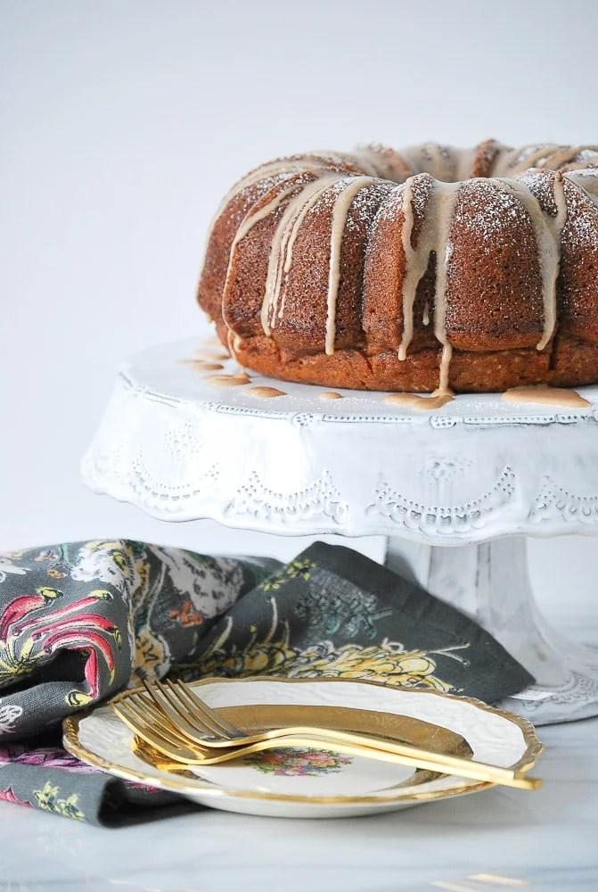 Pumpkin Cake with Cinnamon Vanilla Glaze-2