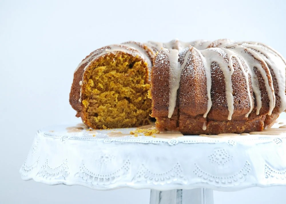 Pumpkin Cake with Cinnamon Vanilla Glaze-5