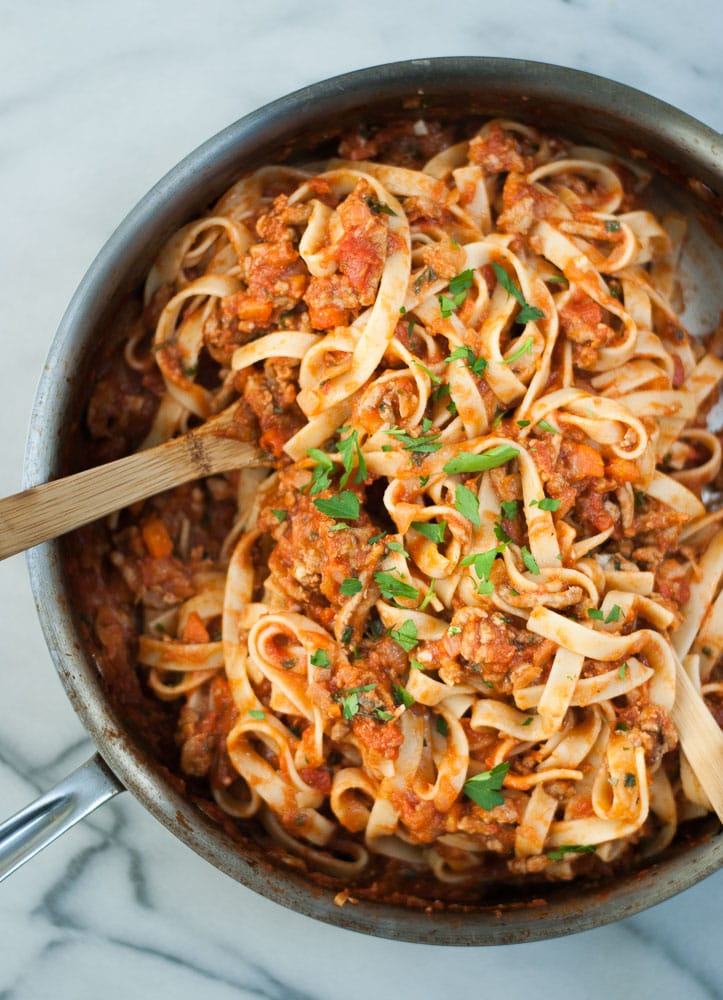 Fettuccine Turkey Bolognese {with video!}