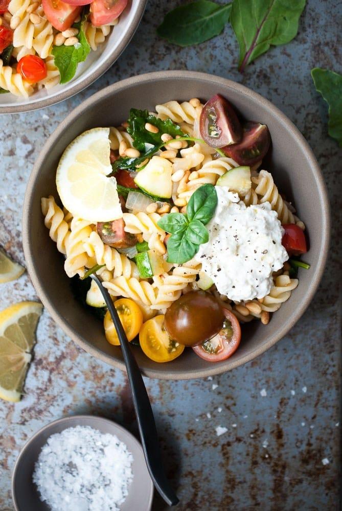 Simple Lemon Fusilli w/ Zucchini, Tomatoes and Spinach