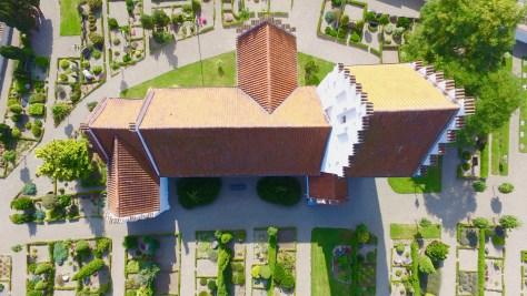 Sørbymagle Kirke ved Slagelse fotografteret med en drone