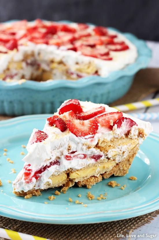 No_Bake_Strawberry_Lemon_Cookie_Pie