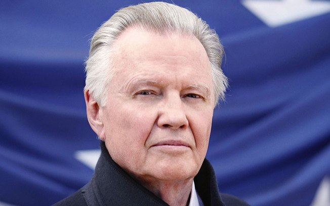 "Jon Voight Praises ""Hero"" President Trump For ""Raising Up Nation"" During Pandemic"