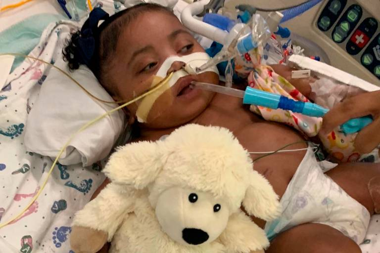 Hospital Threatens to Take Little Girl Off Life Support, But Mom Wants Specialist to Treat Her