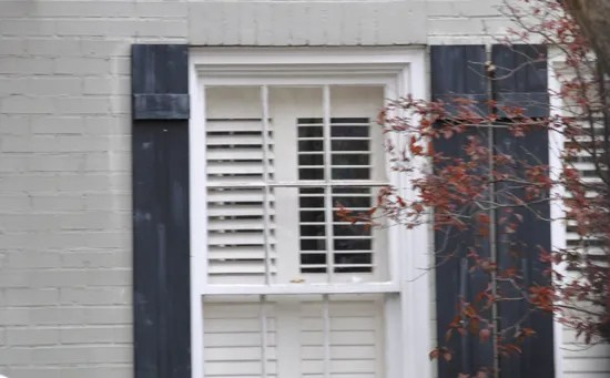 Bad shutters on a house