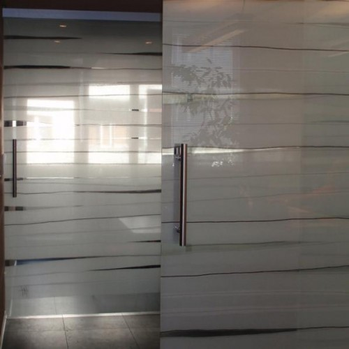 textile laminated glass sliding door by Andrea Hegedus