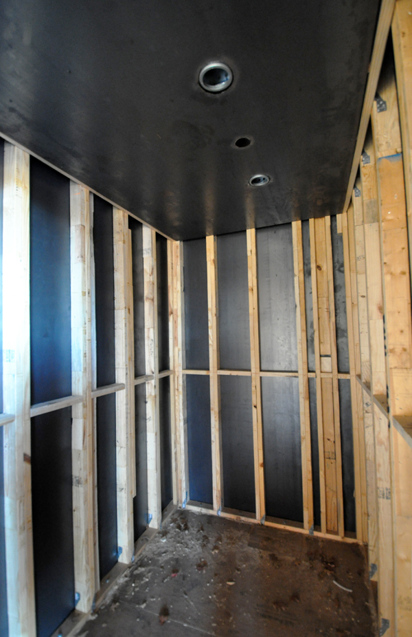 Tornado Room with steel plate ceiling 01