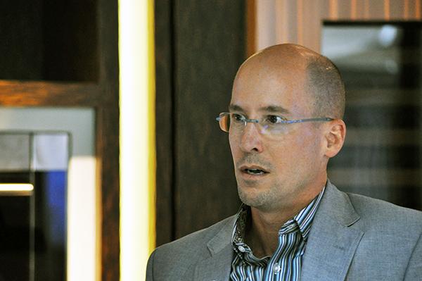Matthew Quinn speaking at SZW Regional Trends