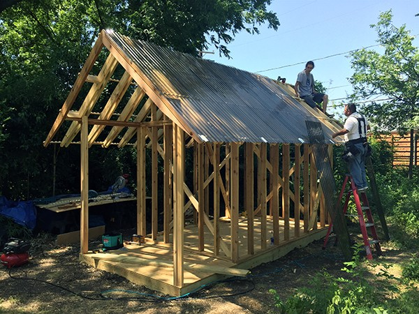 Dain Playhouse roof installation 02