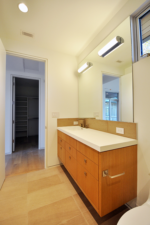 KHouse Modern Detached Guest Bathroom