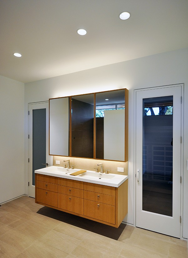 KHouse Modern Master Bathroom