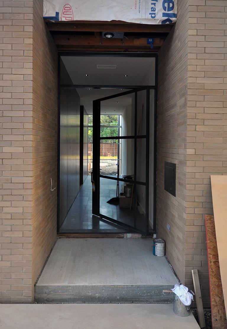 Merveilleux Off Center Pivot Door Metal Frame