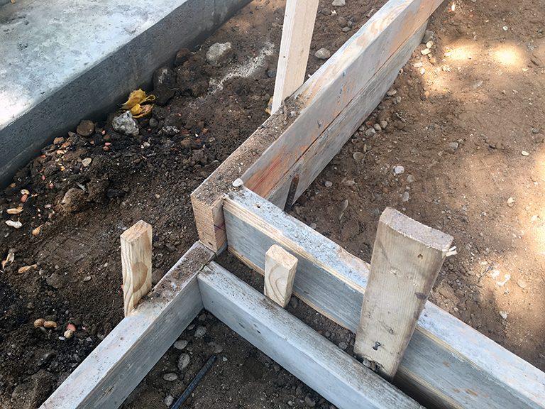 concrete formwork - floating sidewalk pads