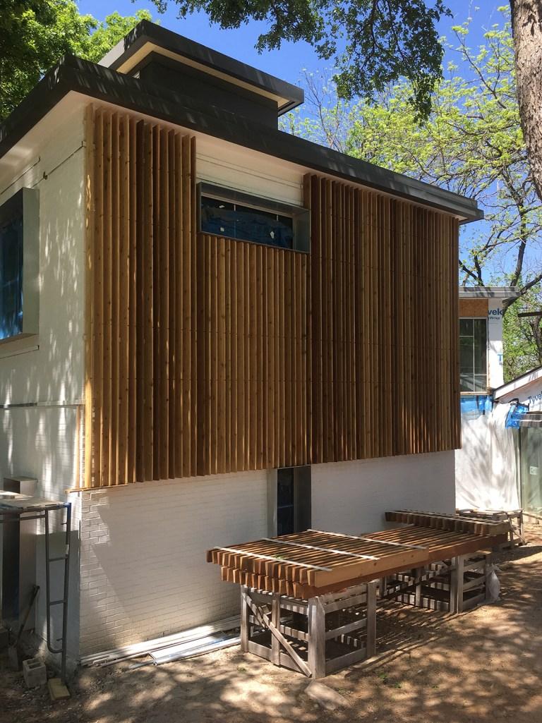 Modern Wood Screen Wall - Malone Maxwell Borson Architects