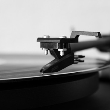 turntable black and white