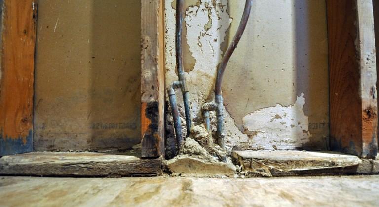 Master Bathroom rotted shower framing 03