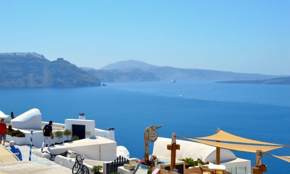 what-to-do-and-see-in-santorini