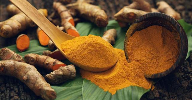 Taking a Traditional Turmeric Supplement to Boost Your Immune System & Look & Feel Younger