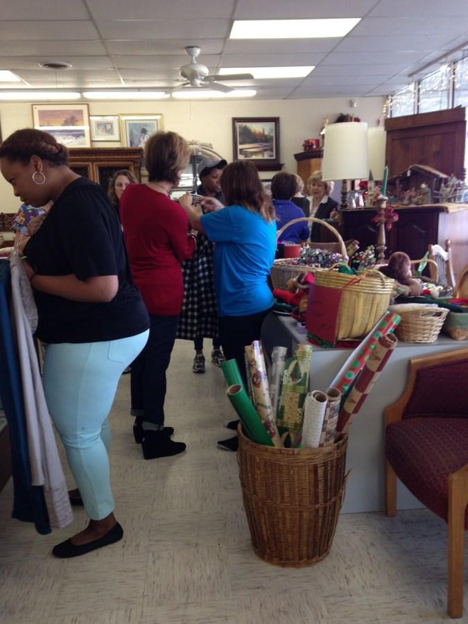 Lifesavers NFNL event, women shopping