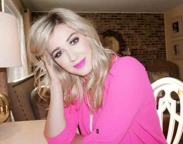 rachel barkules pink lips