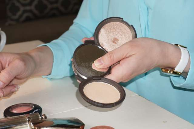 becca moonstone & opal highlighter