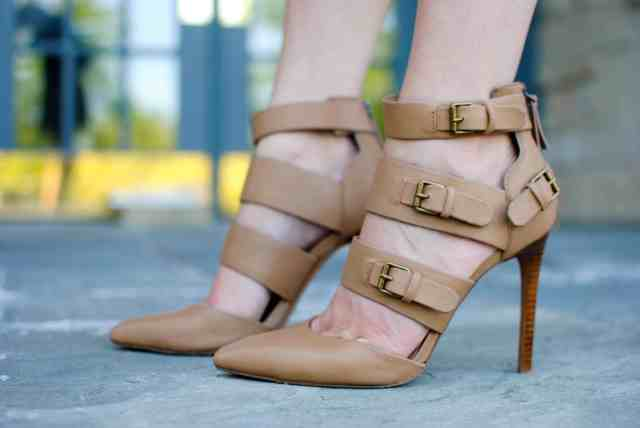 nude buckle pumps