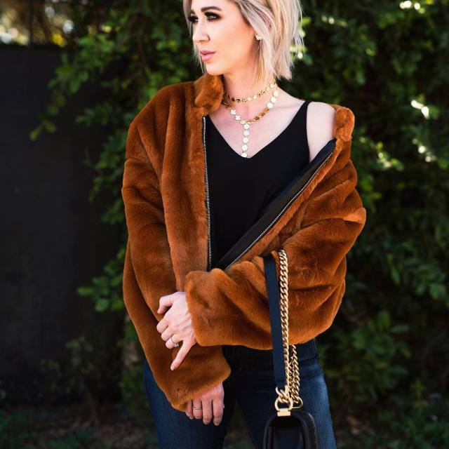 Obsessed with this faux fur jacket! It feels so luxurious!!hellip