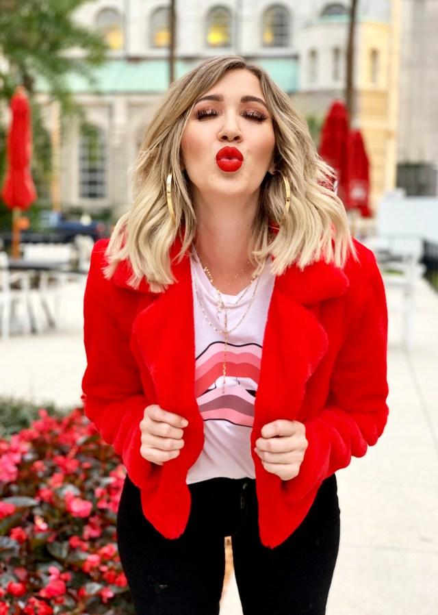 lipstick tee