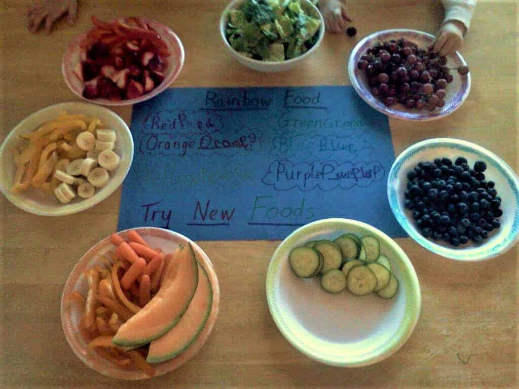 Eat The Rainbow | Clever ways to get your Picker Eater to try new foods. Help your toddler with these tips. Useful tips for helping kids try new foods.