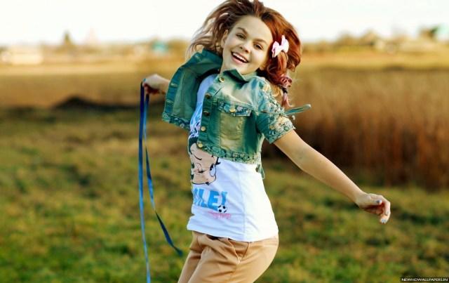 cute-girl-smile-fun-hd-wallpaper-new-hd-wallpapers
