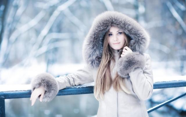girl-smile-winter-thd-wallpapers