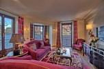 1106_RoccaBruna_Suite_Front_Lake_View_Living_room-1