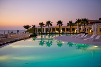 Capovaticano Resort piscina 2