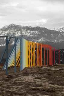 "Xinge Zhang & Jiaqi Qiu, ""Fragile as a Rainbow"", 2021, installazione ambientale, location Chi Jus."