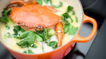 Going Local with Le Creuset: Savory Crab Mee Hoon Soup