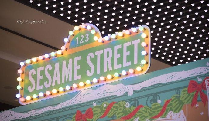 Merry Nex'mas with Sesame Street!