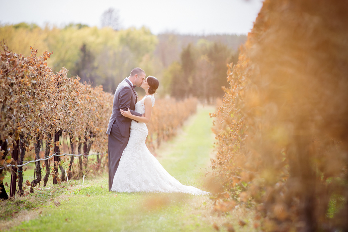 139-wedding-photos-photographer-berks-county-pa-vineyard-outside-outdoors