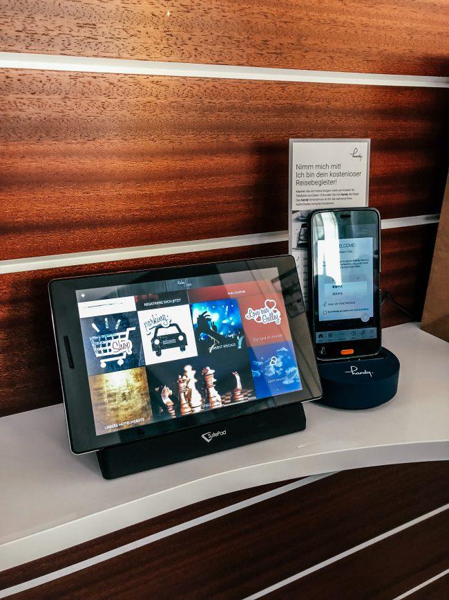Ruby Lotti Smartphone Entertainment Hamburg iPad