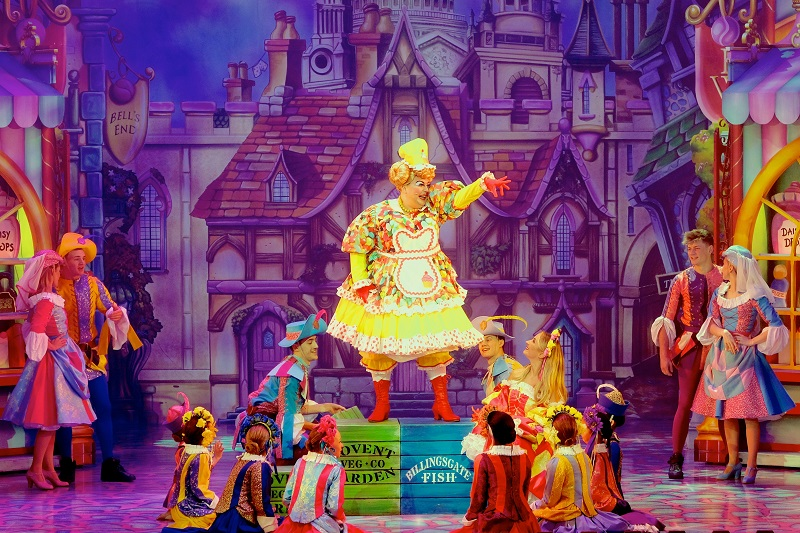 David O'Reilly in Dick Whittington at Bristol Hippodrome