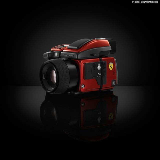Hasselblad H4D-40 Ferrari Limited Edition